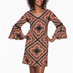 MSK bell-sleeve shift dress